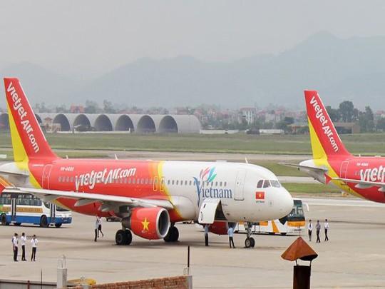 Một máy bay VietJet Air tại sân đỗ Sân bay quốc tế Nội Bài