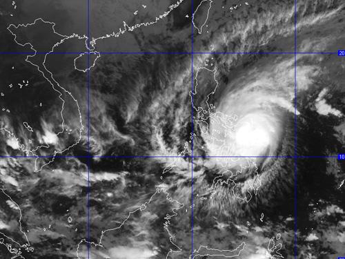 Ảnh mây vệ tinh siêu bão Hagupit sáng 7-12 - Nguồn: Trung tâm dự báo khí tượng thủy văn TƯ