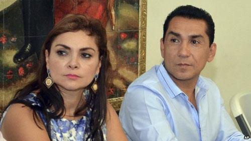 Vợ chồng Thị trưởng Jose Luis Abarca Ảnh: AP