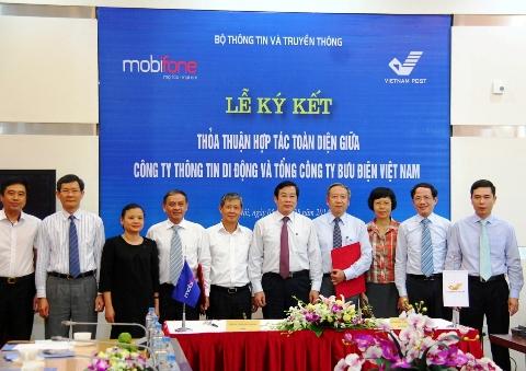 Mobifone và Vietna Post ký kết hợp tác toàn diện