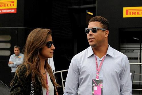 Ronaldo và hôn thê Paula Morais