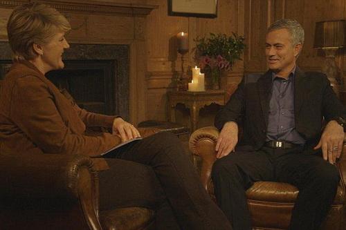 Người đặc biệt vui vẻ trả lời phỏng vấn, sự khác biệt lớn về tính cách ở lần thứ nhì quay lại nước Anh