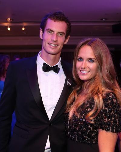 Andy Murray tuyên bố đính hôn với cô bạn gái Kim Sears