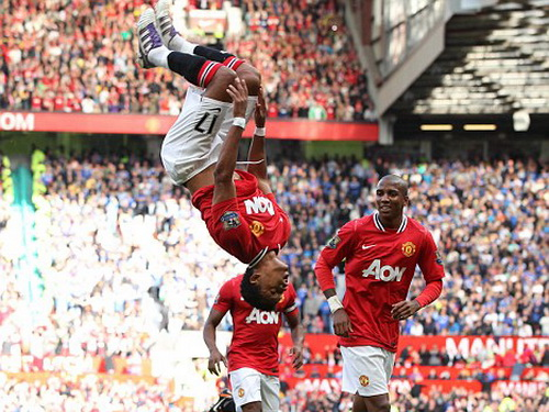 Nani và cú santo khi còn thi đấu cho Man United