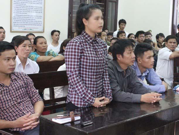 Nạn nhân H. tại toà án