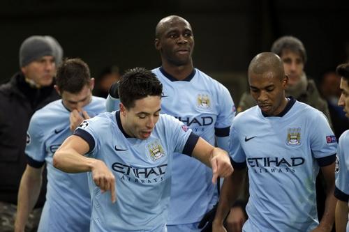 Sanir Nasri mừng bàn thắng mở tỉ số