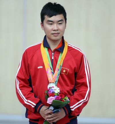 Hoàng Phương chỉ giành HCB nội dung súng ngắn bắn chậm 50 m nam