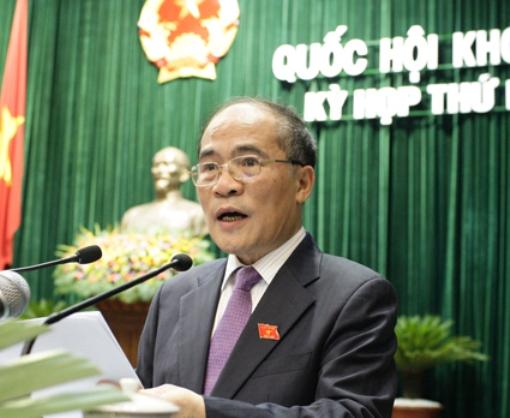 Chủ tịch Quốc hội Nguyễn Sinh Hùng phát biểu tại kỳ họp Quốc hội