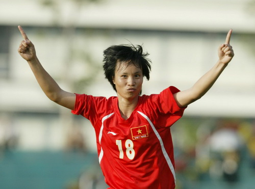 Minh Nguyệt góp một bàn cho Việt Nam