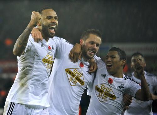 Niềm vui chiến thắng của Swansea