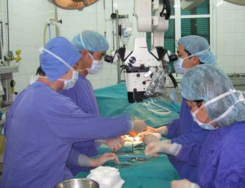 Với kỹ thuật hiện đại các bác sĩ có thể nối thành công nhiều bộ phận đứt rời