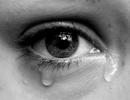 Nước mắt thường là biểu hiện của nhiều cảm xúc, đặc biệt ở phụ nữ
