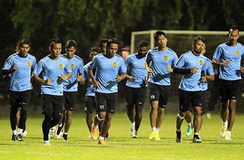 Đội tuyển Malaysia tích cực tập luyện trước trận bán kết lượt về trên sân Mỹ Đình