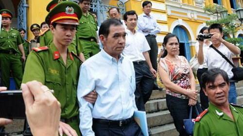 Ông Sĩ bị tuyên mức án chung thân, sau đó được giảm xuống 20 năm tù