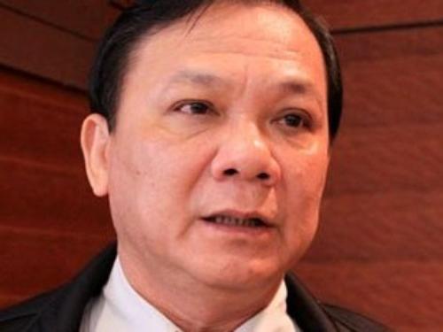 Ban Bí thư đã kỷ luật cảnh cáo ông Trần Văn Truyền (ảnh) do có vi phạm, khuyết điểm trong việc thực hiện chế độ, chính sách nhà ở, đất ở và trong công tác cán bộ