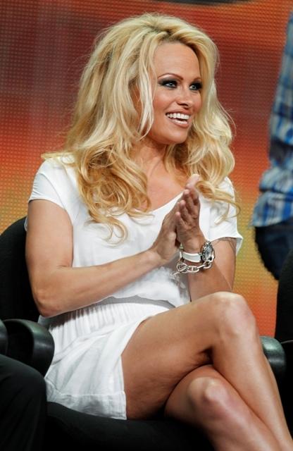 Diễn viên Pamela Anderson từng bị lạm dụng tình dục