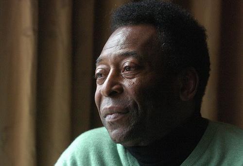 Pele năm nay 74 tuổi, đã và đang phải điều trị nhiều căn bệnh khác nhau