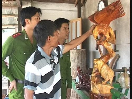 Công an xã Duy Nghĩa, huyện Duy Xuyên, tỉnh Quảng Nam thường xuyên thăm hỏi, động viên  anh Võ Văn Hòa