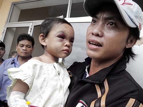 Anh Trần Văn Tố nhận là cha ruột và yêu cầu được nuôi dưỡng bé Ngân