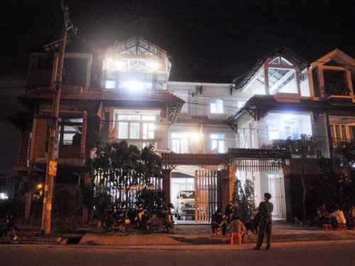 Hai căn biệt thự liền kề bị mất trộm vào đêm 4-12