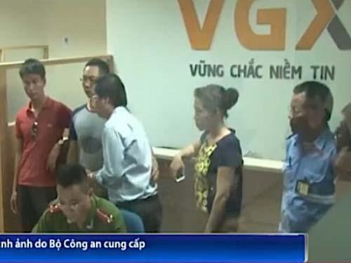 Khám xét trụ sở Công ty CP Đầu tư VGX. (Ảnh do Bộ Công an cung cấp)