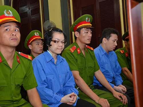 Huỳnh Thị Huyền Như tại phiên tòa phúc thẩm ngày 15-12Ảnh: TẤN THẠNH
