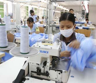 Công nhân Tổng công ty CP Dệt Phong Phú được đảm bảo việc làm, thu nhập và phúc lợi ổn định