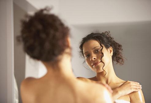 Vàng da là dấu hiệu của bệnh viêm gan.