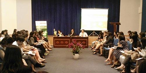 Quang cảnh hội thảo về tranh chấp lao động do Báo Người Lao Động phối hợp với CLB Nhân sự Việt Nam tổ chức