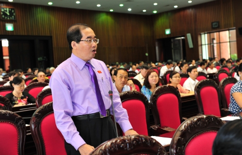 Cách đây 1 năm, ông Phước cho rằng sự gấp gáp đề nghị có Luật Biểu tình là cướp đi quyền của người dân