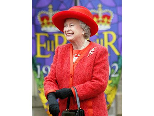 """Hoàng gia Anh nhận quà """"khó đỡ"""""""