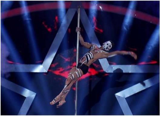 Chàng trai múa cột điêu luyện chinh phục giám khảo