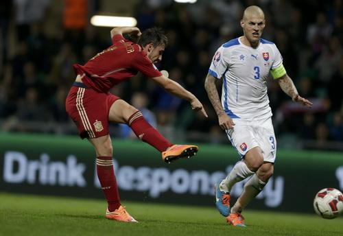 Paco Alcacer ghi bàn gỡ hòa phút 82 nhưng Tây Ban Nha vẫn thất trận