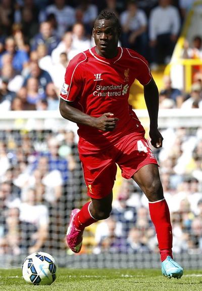 Mario Batotelli có màn ra mắt chấp nhận được tromg màu áo Liverpool