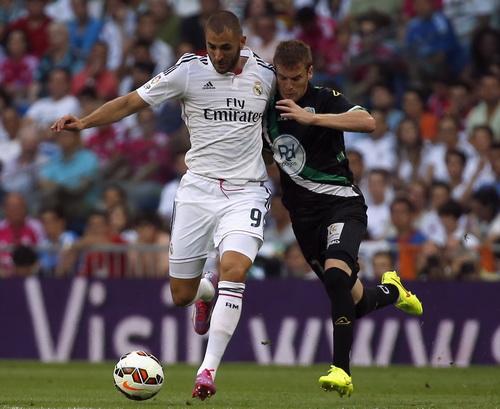 Karim Benzema mở tỉ số trận đấu