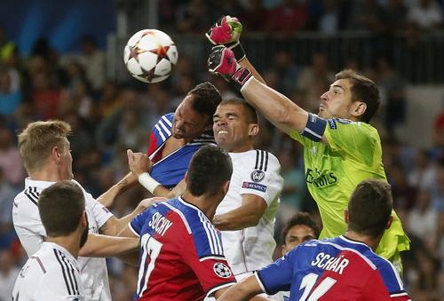 Basel thi đấu kiên cường trước Real Madrid trong khoảng 15 phút đầu trận