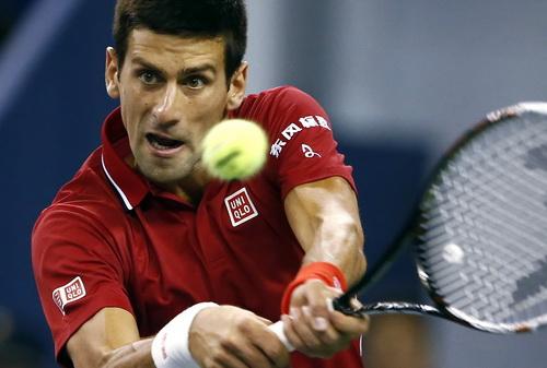 Djokovic tự đánh mất lợi thế bằng hai bàn break chia đều hai ván đấu