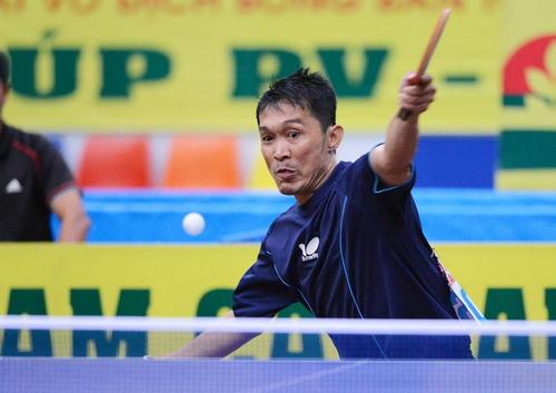 Kiến Quốc trong trận chung kết Giải vô địch quốc gia 2014 - Ảnh: TỐNG ĐỨC THUẬN