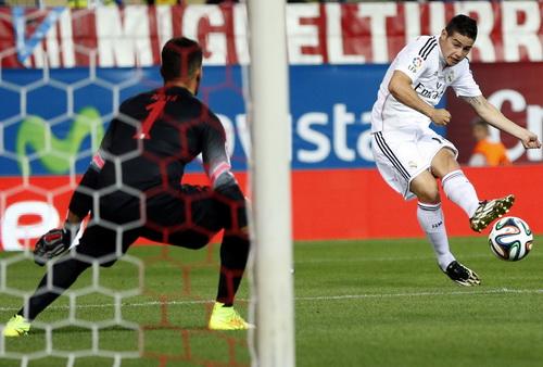 James Rodriguez thi đấu đầy nỗ lực nhưng không giúp Real xoay chuyển thể trận