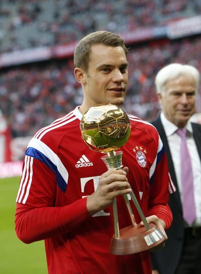 Manuel Neuer nhận giải Cầu thủ xuất sắc nhất Bundesliga mùa trước