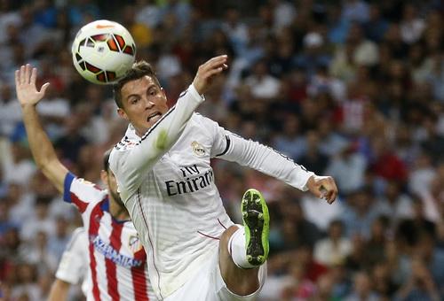 Ronaldo gỡ hòa với bàn thắng thứ tư từ đầu giải