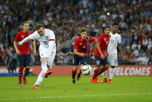 Rooney ghi bàn từ chấm 11 mét, giúp tuyển Anh giành thắng lợi 1-0