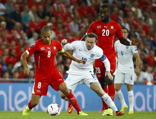 Wayne Rooney để lại nhiều ấn tượng trong vai hộ công