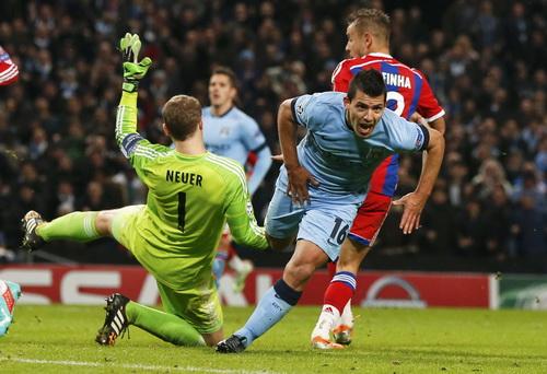 ... nhưng không cản nổi Sergio Aguero lập hat-trick, giúp Man City thắng ngược 3-2