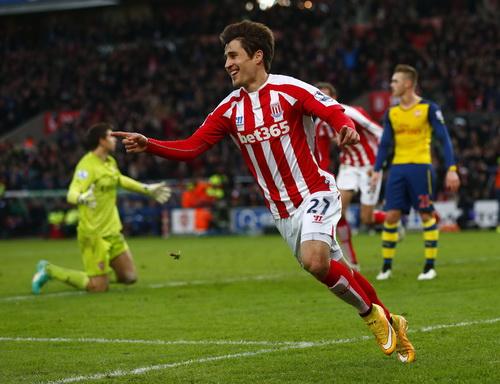 Bojan Krkic khiến hàng thủ Arsenal ngất ngư với những pha đi bóng táo bạo