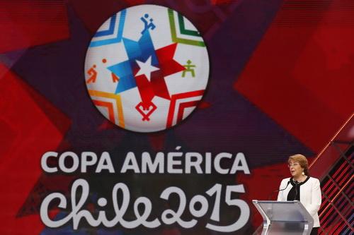 Tổng thống Chile Michelle Bachelet tại lễ bốc thăm