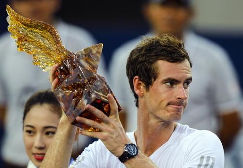 Murray và chiếc cúp vô địch giải ATP Thiên Tân