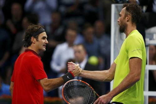 Karlovic chúc mừng Federer sau trận bán kết