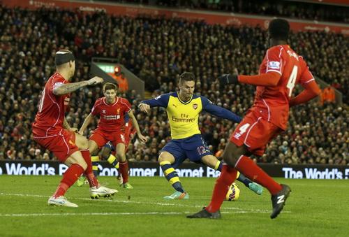 Giroud ghi bàn thứ nhì cho Arsenal nhưng đội khách không có trọn 3 điểm trận này
