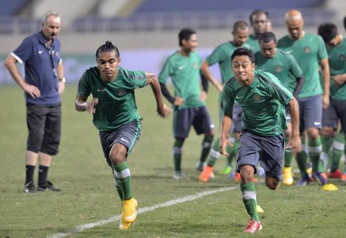 Buổi tập chiều 21-11 trên sân Mỹ Đình của tuyển Indonesia